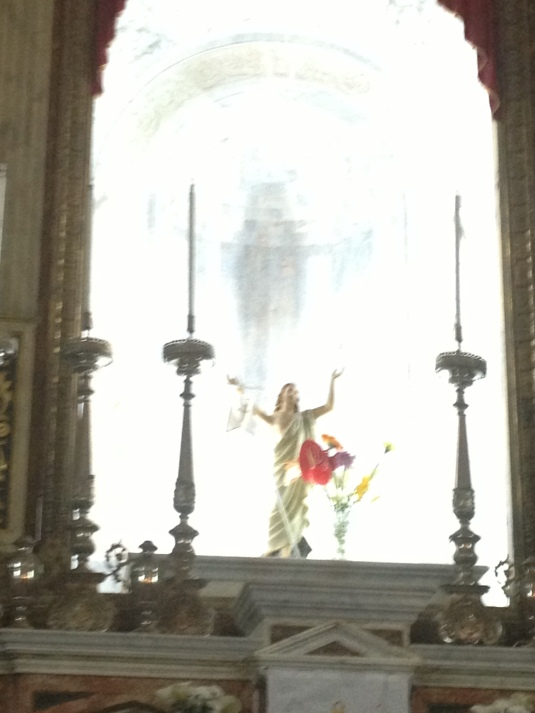 I love that , since Easter,  crucifixes in/over the main altars have all been replaced by statues like this one in Trapani's S.Antonio de Paolo. BTW, I''m quite certain that's CRYSTAL behind San Salvatore!